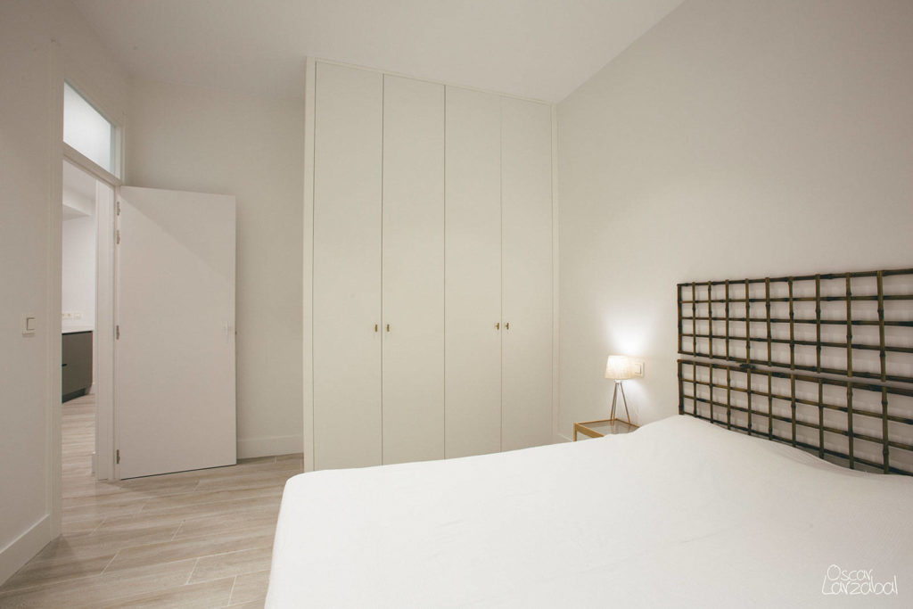 Reforma piso centro Donostia San Sebatian 012 Entrada habitacion exterior